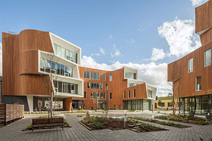 One North multi-use complex in Poland is designed to exceed sustainability standards